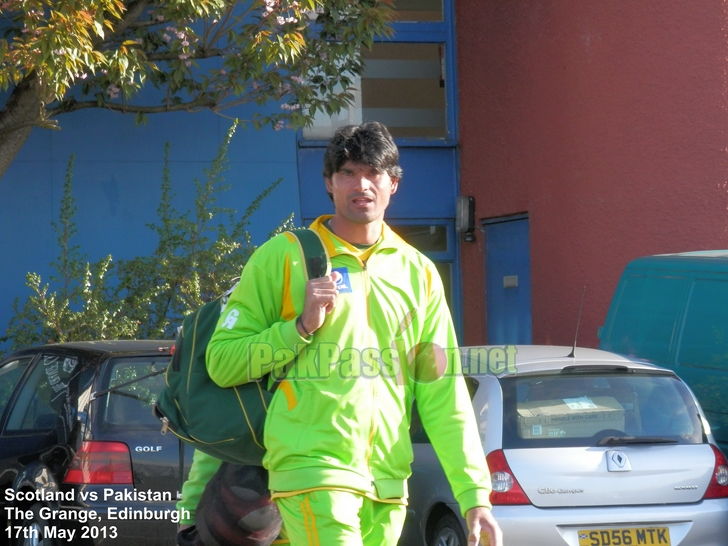 Pakistan call up Mohammad Irfan for ODIs against Sri Lanka