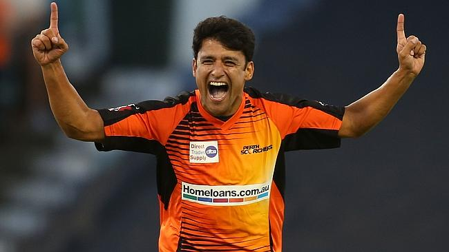 Yasir Arafat to play for The Perth Scorchers in BBL 04